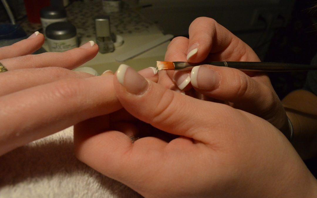 Tutto quello che c'è da sapere sulla ricostruzione unghie