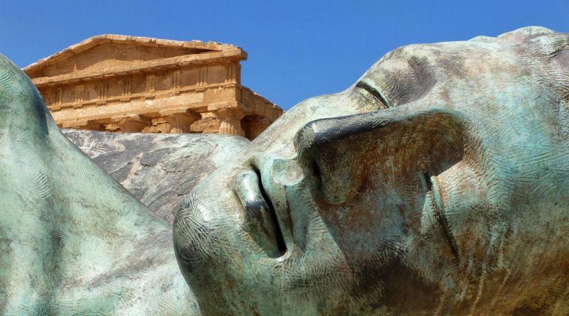 Templi e sculture in Sicilia