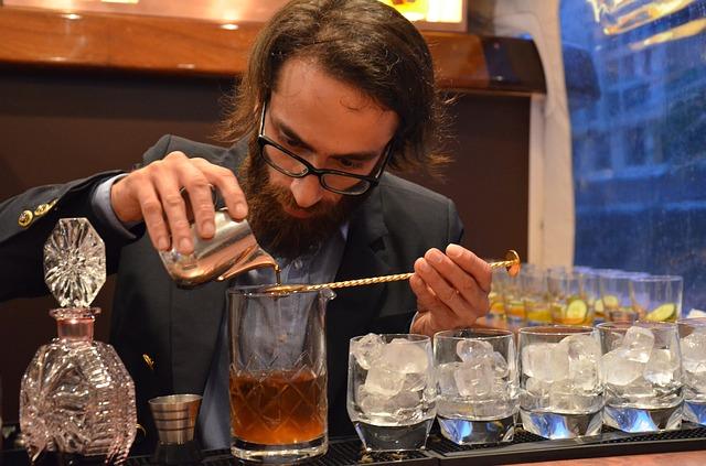 Formarsi adeguatamente con un corso per barman a Milano