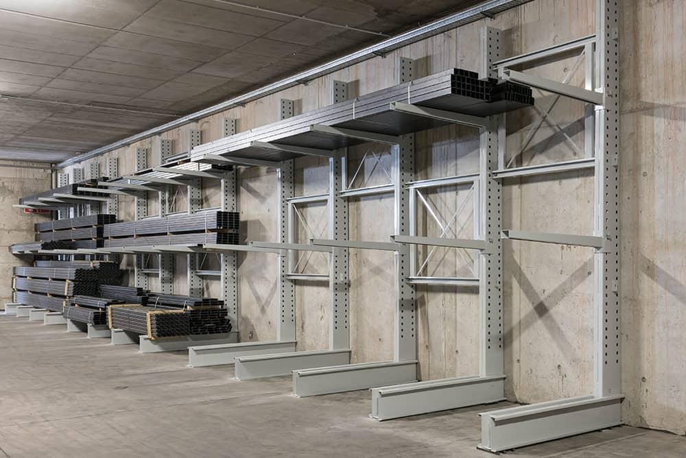 Scaffale Cantilever: guida per l'uso nei magazzini