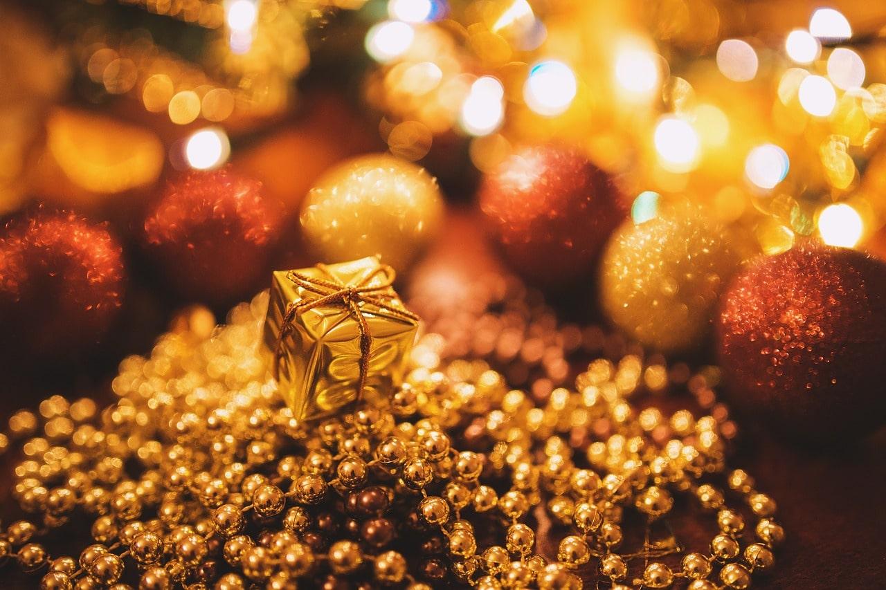 Abbigliamento e accessori, tante idee per i regali di Natale