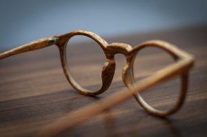 occhiali-legno
