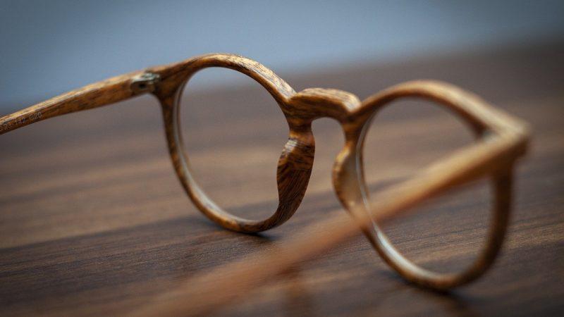 Occhiali in legno, per passione e per moda su Occhialinlegno.it
