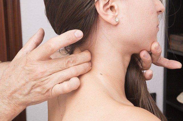 Mal di testa da cervicale: cause e cura