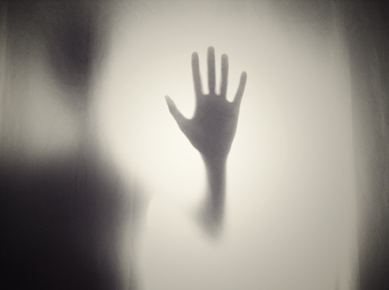 Claustrofobia e agorafobia: paure a confronto