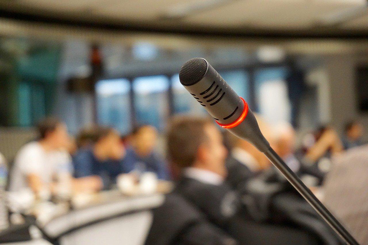 Parlare in pubblico: come farlo con sicurezza