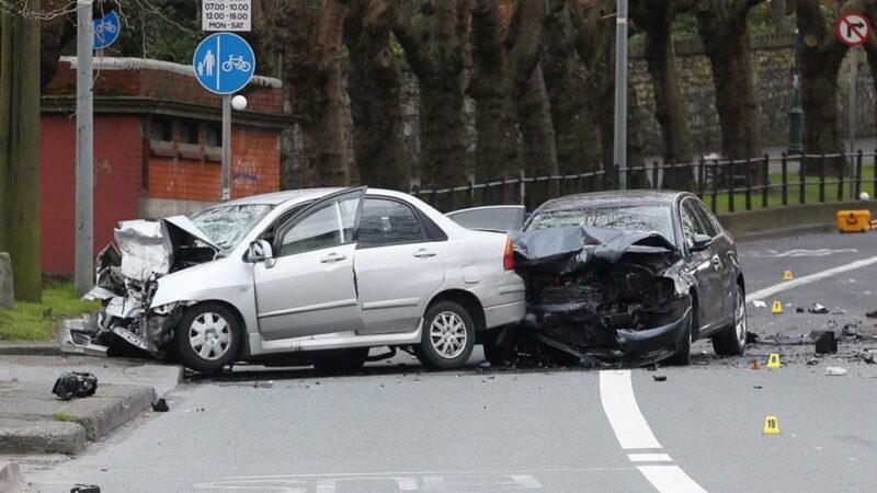 Auto rotta o incidentata: meglio ripararla o sostituirla?