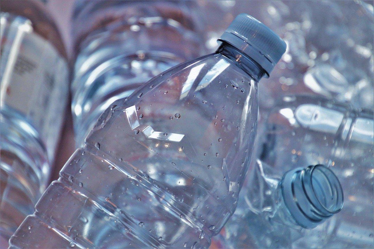 Come riciclare le bottiglie di plastica