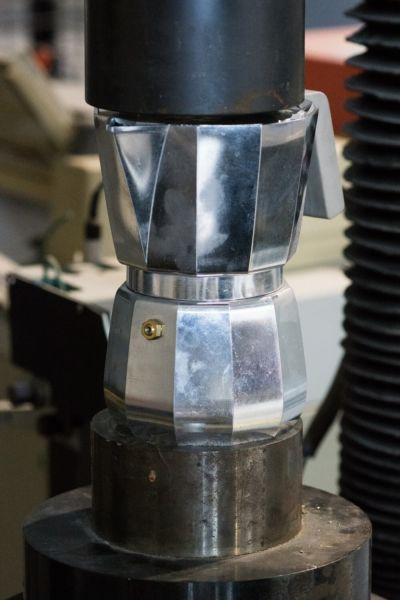Prove meccaniche per testare materiali e prodotti