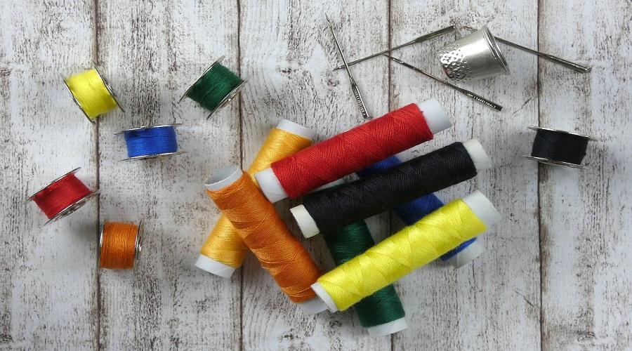 Merceria online: ecco dove trovare filati per i tuoi progetti di abbigliamento